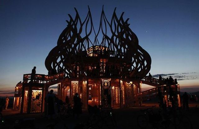 Burning Man Festival 2009 in the Nevada desert (35 pics)