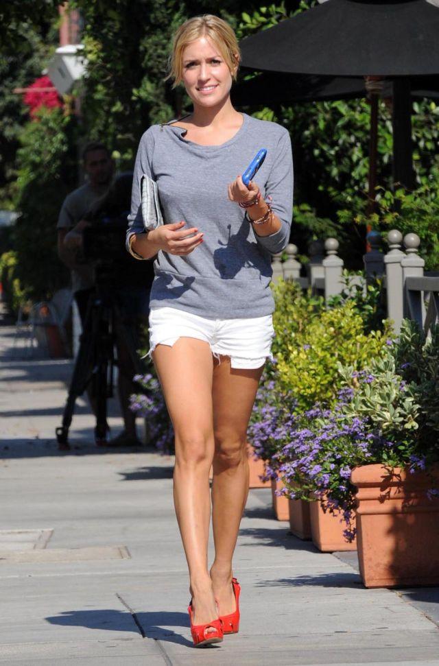Kristin Cavallari's got beautiful long legs (8 pics)