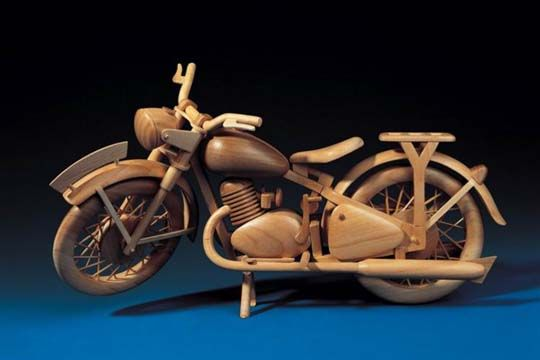 Wooden vehicules (15 pics)