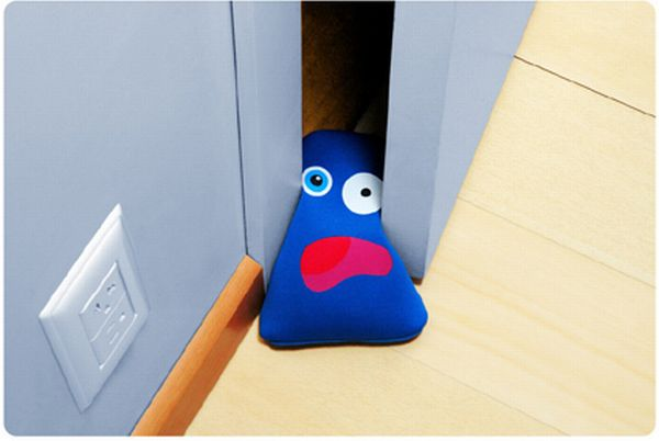 Great creative doorstops (29 pics)