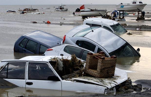 Flash floods in Turkey (12 pics)