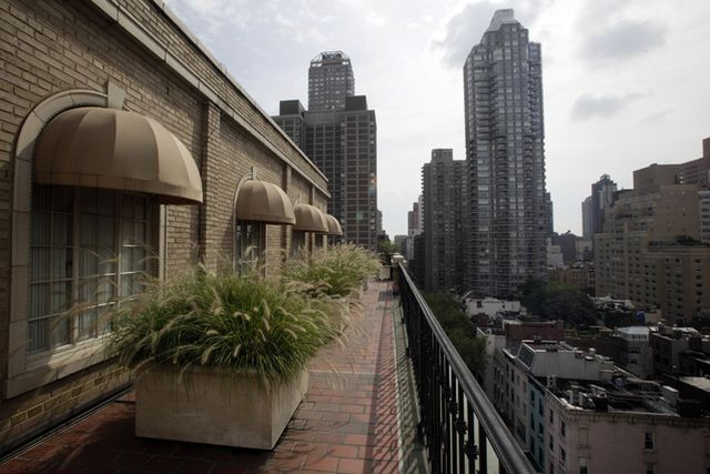 Penthouse of the boldest scammer of Wall Street (50 pics)
