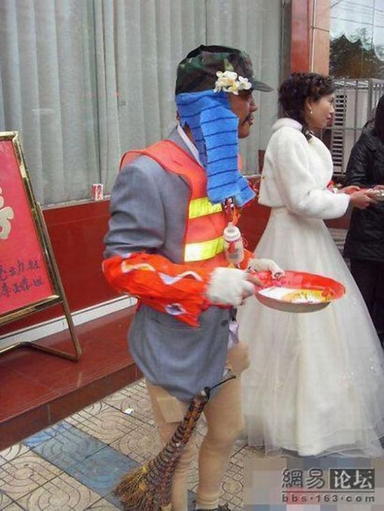 Another funny groom (6 pics)