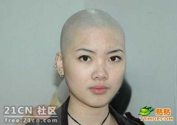 Girl with and without hair (5 pics)