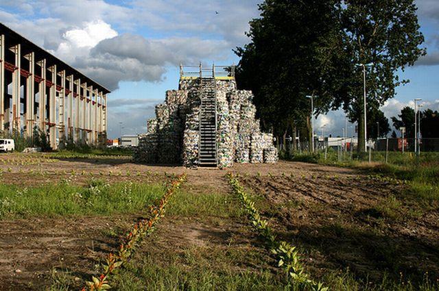 Trash Temple (30 pics)