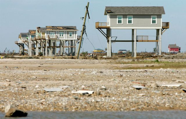 Hurricane Ike. One year later ... (25 pics)
