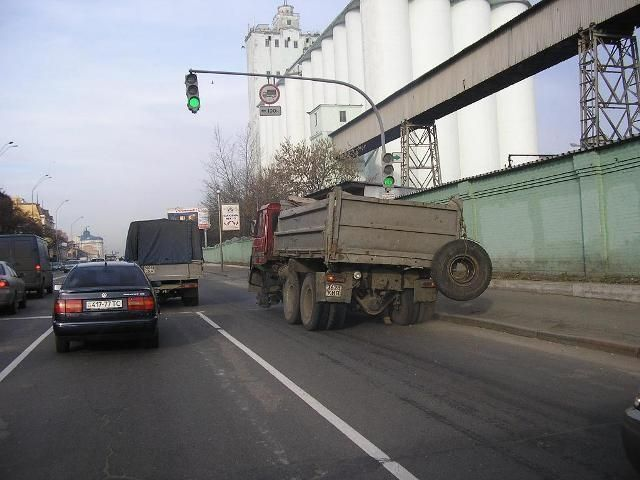 Russian drivers: skilled or crazy (15 pics + 1 video)