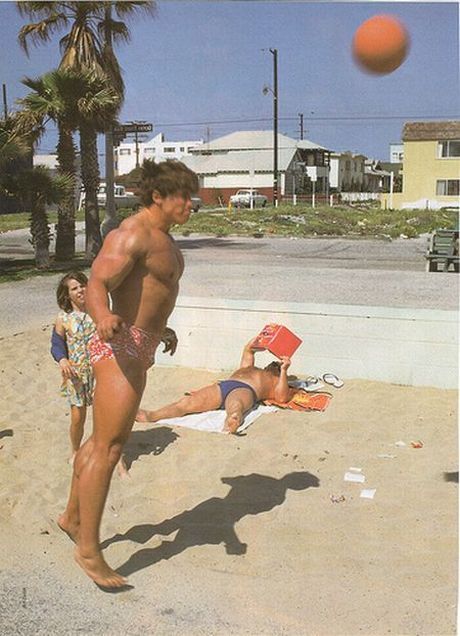 Young Arnold Schwarzenegger. He wasn't thinking about politics then (18 pics)