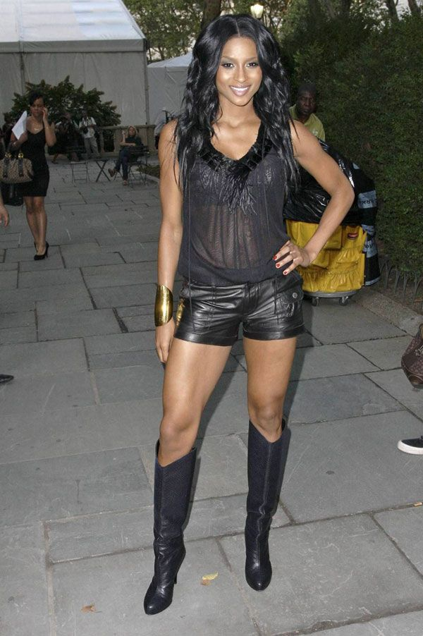 Ciara in a leather short (9 pics)