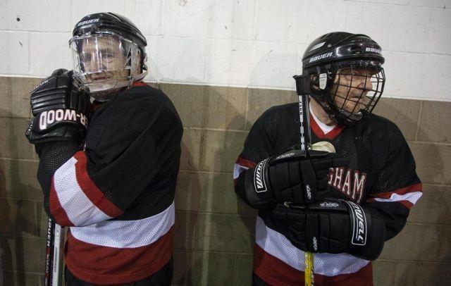 Hockey players over 80 (9 pics)