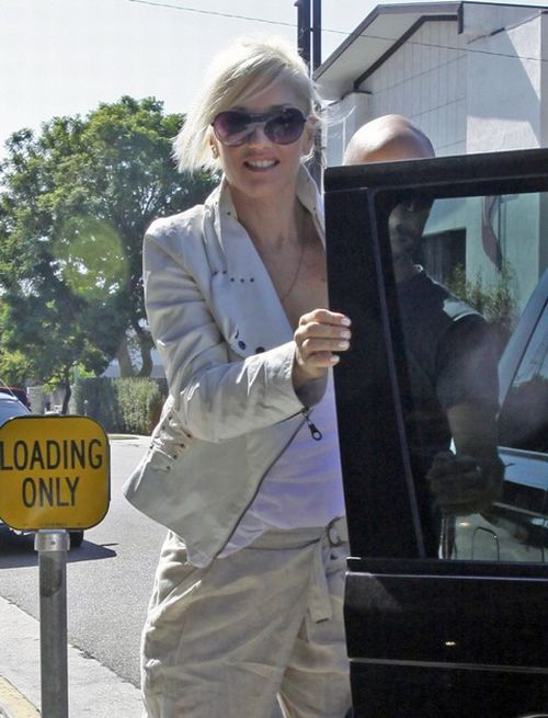 Gwen Stefani arrived at a studio in LA (8 pics)