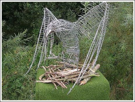 Art from shopping trolleys (10 pics)