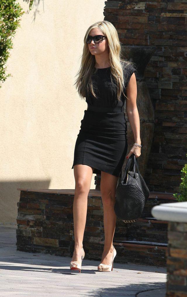Ashley Tisdale (9 pics)