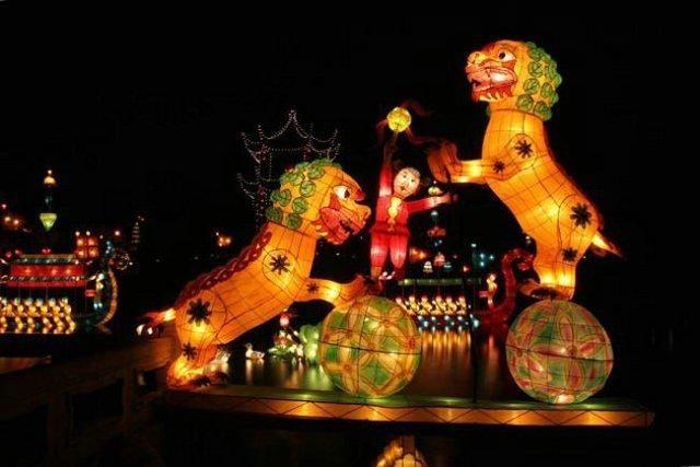 Chinese lanterns (12 pics)