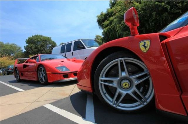 How they park super cars (8 pics)