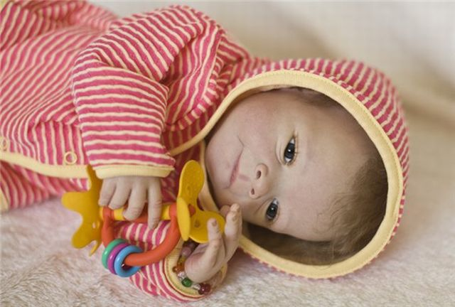 "Almost ""real"" baby dolls (31 pics)"