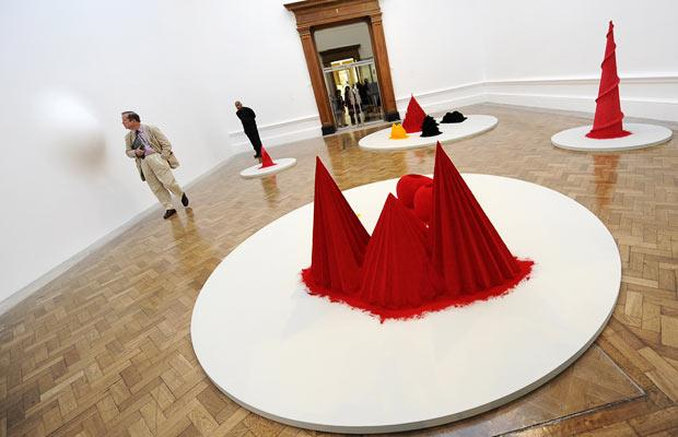 Anish Kapoor's exhibition at the Royal Academy (21 pics)
