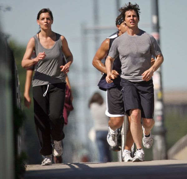 Tom and Katie jogging out together (7 pics)