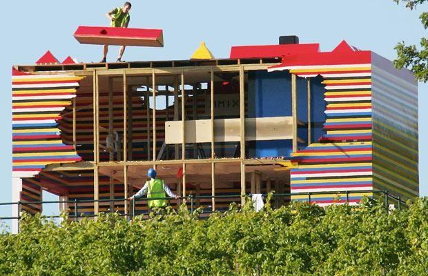 Lego house has been demolished (13 pics)