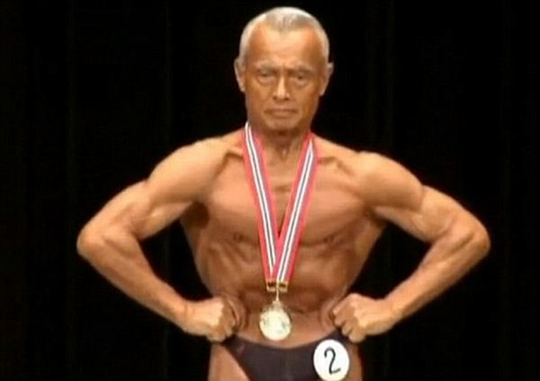 74 year old Japanese man wins bodybuilding championships! (4 pics)