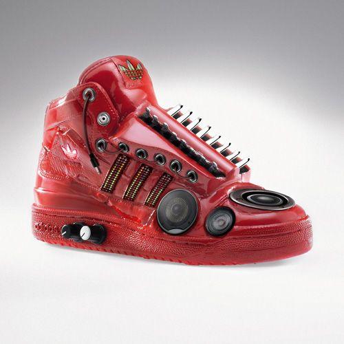 Sneakers sculptures (9 pics)
