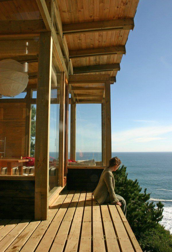 House on the cliff (13 pics)