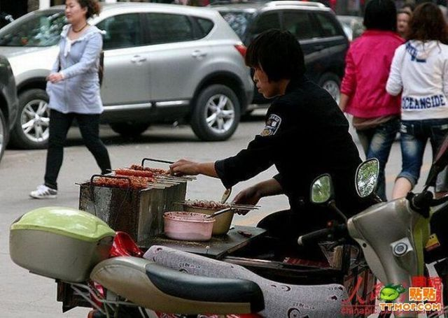 Chinese bike fast food (5 pics)