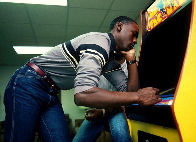 Michael Jordan during his college years (10 pics)