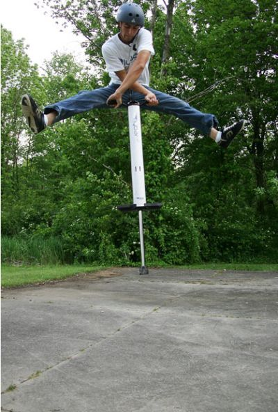 Fred Grzybowski - the world's top extreme pogo artist (14 pics)