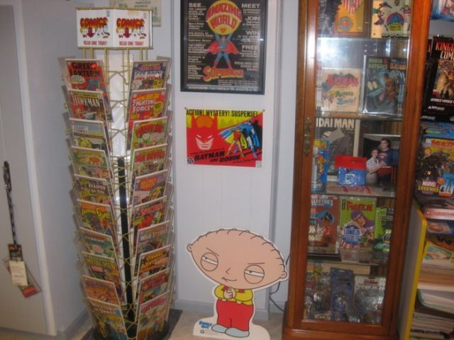Room of a comics fan (22 pics)