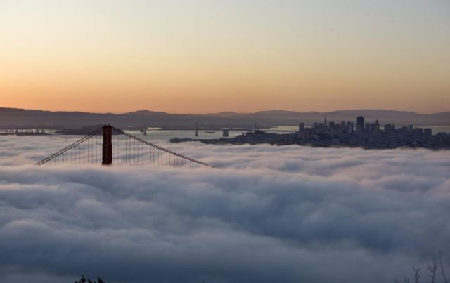 Beautiful pictures of San Francisco covered with fog (10 pics + 1 video)