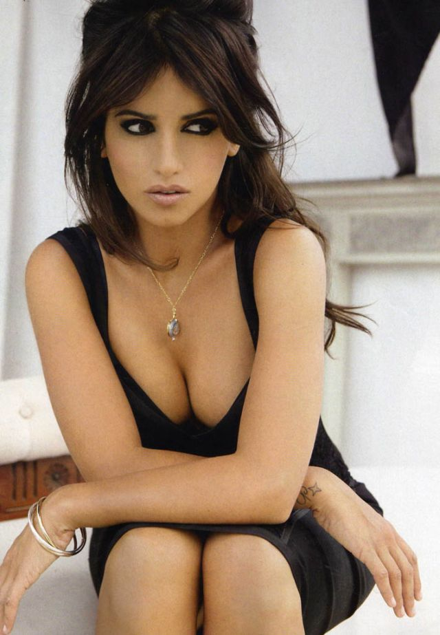 Smoking hot Monica Cruz (6 pics)