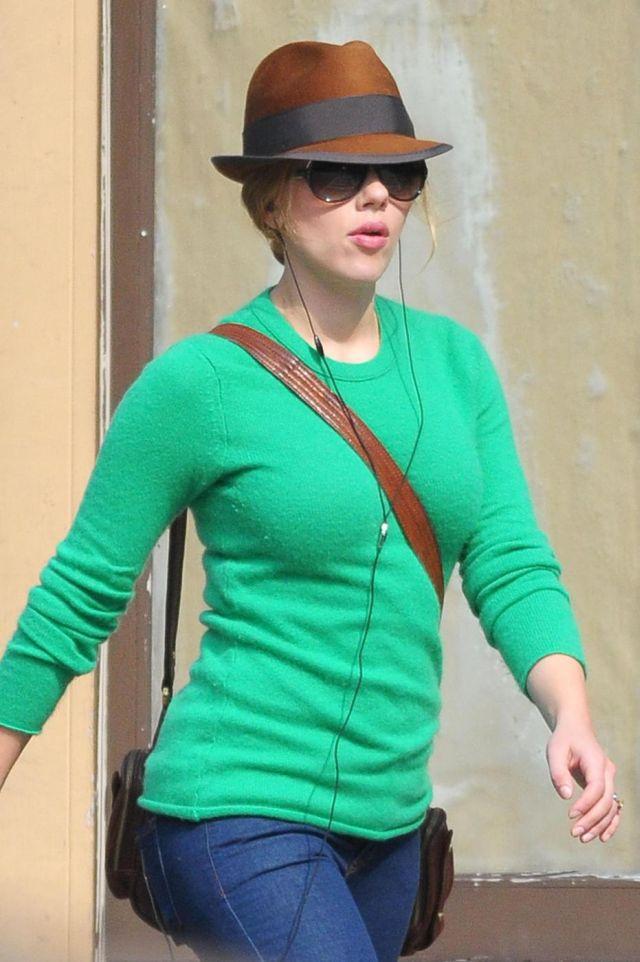 Scarlett Johansson (5 pics)