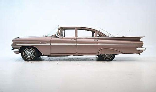 1959 Chevrolet Bel Air VS 2009 Chevrolet Malibu (7 pics + 1 video)