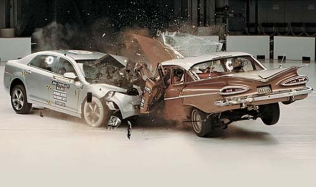 1959 Chevrolet Bel Air VS 2009 Chevrolet Malibu (7 pics + 1 video)