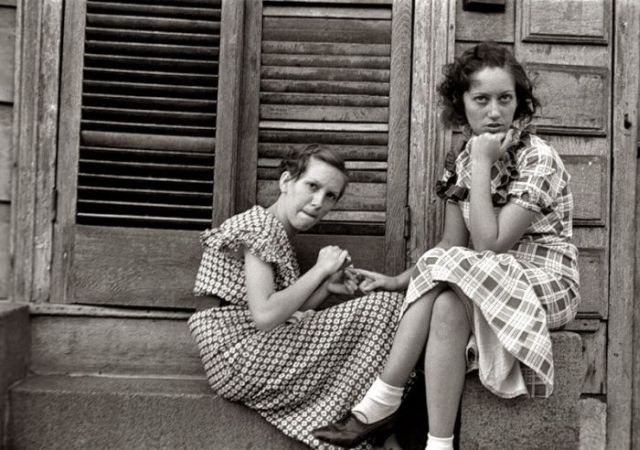 Cute girls from the past (11 pics)