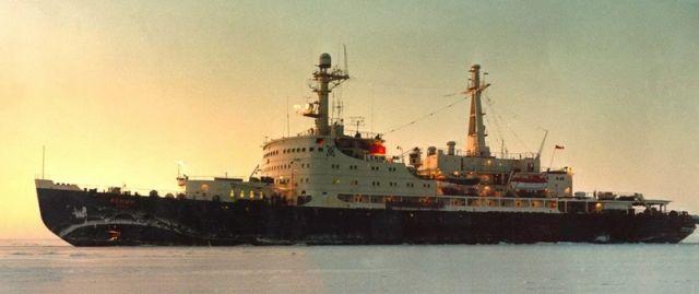 Atomic icebreakers in the Arctic (47 pics)