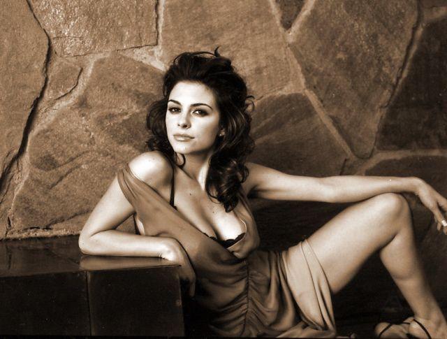 Maria Menounos (5 pics)