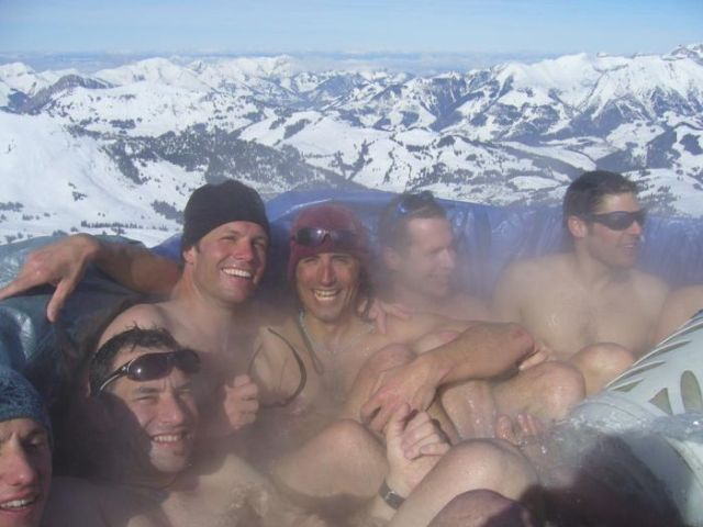 In a hot tub on a mountain top! (23 pics)