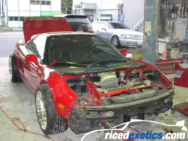 How to make a Ferrari out of an Acura NSX (20 pics)