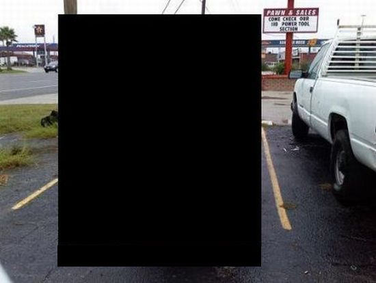 Best parking job ever! (3 pics)