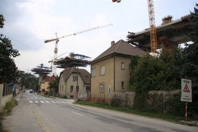 Bridge construction (3 pics)