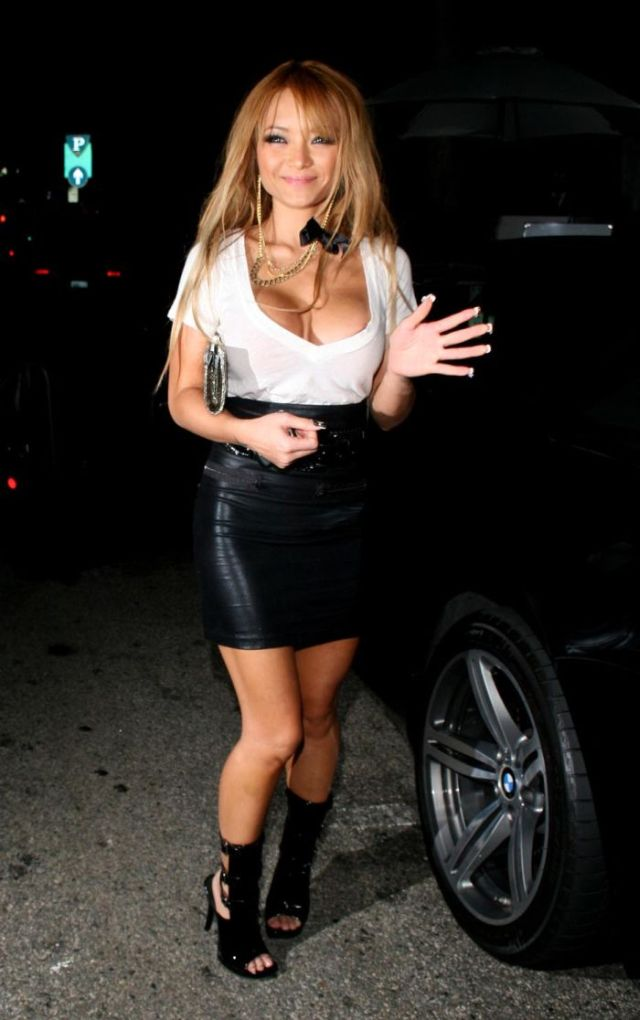 Tila Tequila showing off her cleavage (5 pics)
