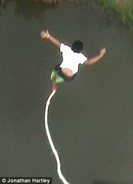 Failed bungee jumping – how to fall in the water at 80 mph! (5 pics + 1 video)