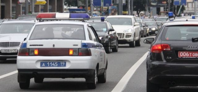 How to break the traffic code without being arrested in Russia (5 pics)