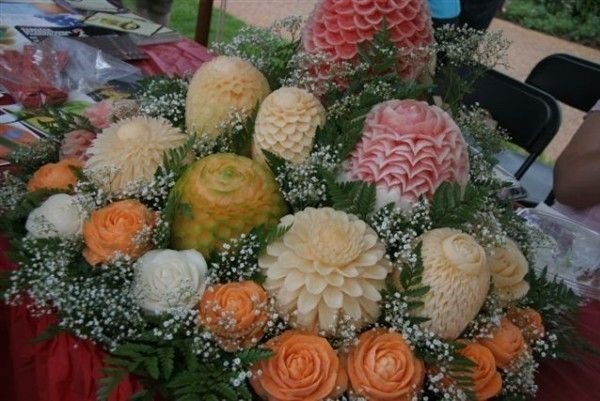 Fruit and vegetables carvings (21 pics)