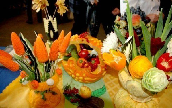 Fruit and vegetables carvings pics picture