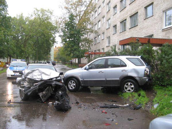 KIA vs BMW (4 pics)