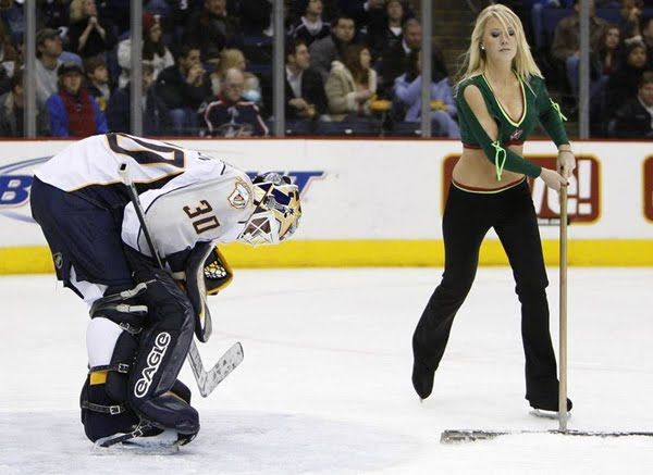 Pretty NHL ice crew girls (23 pics)