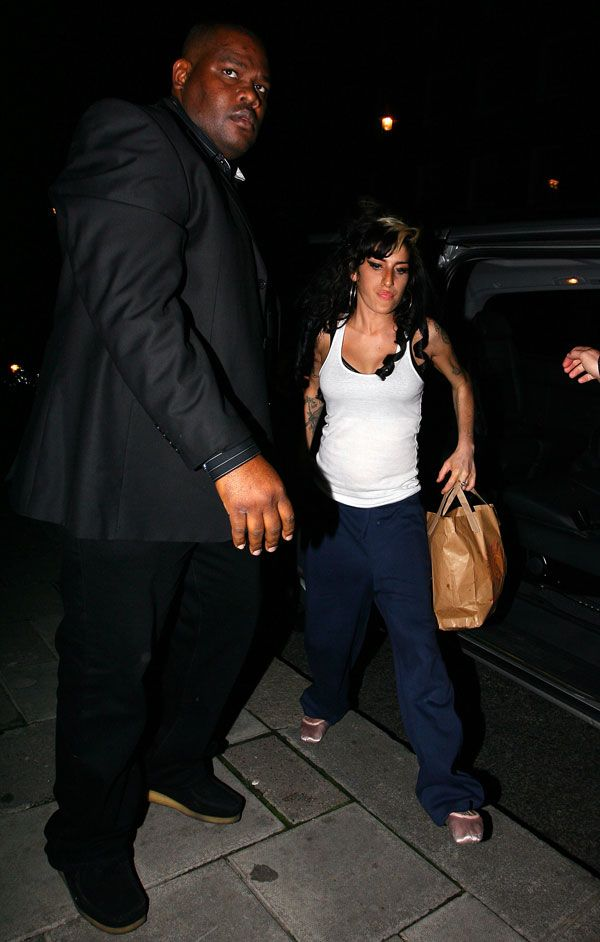 Amy Winehouse… as usual (8 pics)